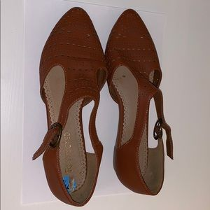 Restricted Brand Brown Flats